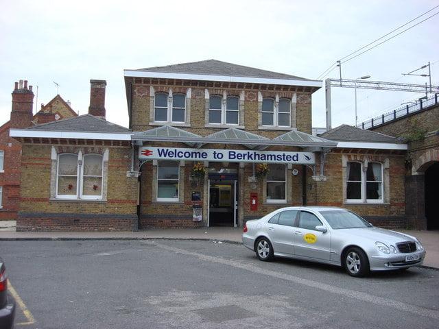 Berhamsted Station (Copyright Oxyman)