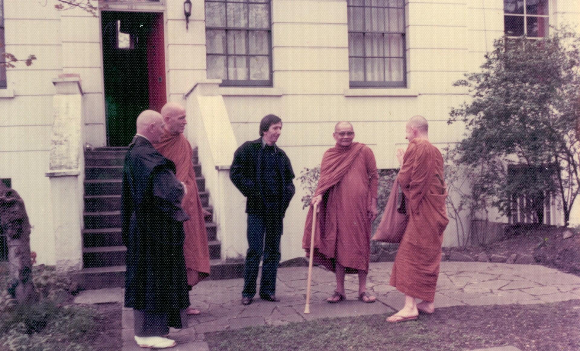 Hampstead Vihara in 1977 - George Sharp and Ajahn Chah