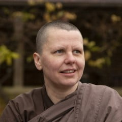 Sister Ṭhānavijayā